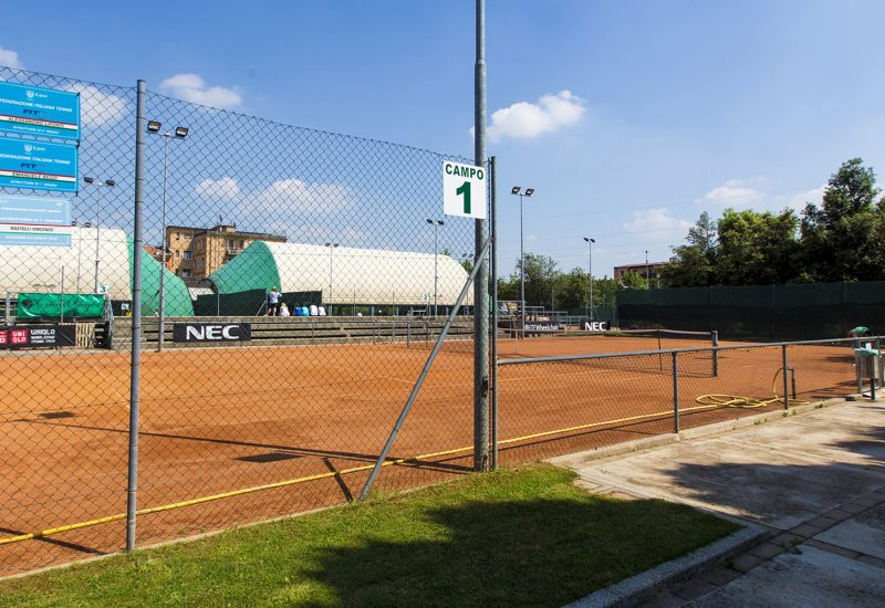 Foto 2 - I campi del Forza e Costanza Brescia di via Signorini che domenica 12 luglio ospiteranno la sfida fra Bal Lumezzane e Tennis Club Lucca
